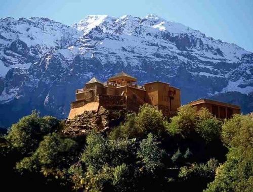 Kasbah Tamadot à Asni, Kasbah d'Imlil au Haut Atlas, Pieds des Montagnes de l'Atlas, ...